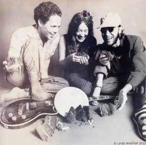 1979—Linda with Greg Pecknold and Donnie Teesdale. They worked as a trio in 1979.